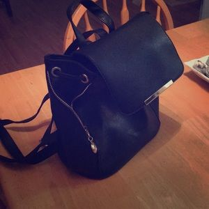 Over the shoulders purse